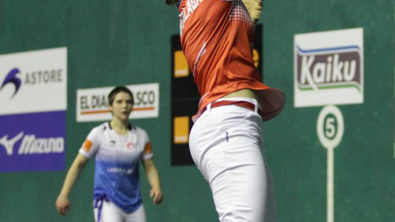 Gran partido de Pelota Mano Femenino en Corella