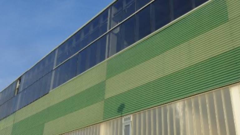 Sustitución de los vidrios del polideportivo Ciudad de Corella